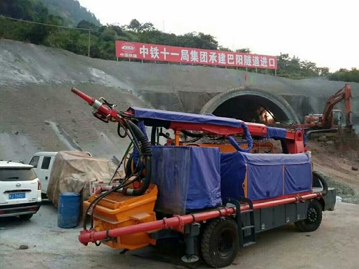 攪拌拖泵,攪拌天泵,車載攪拌泵,混凝土濕噴機,臂架泵,混凝土輸送泵